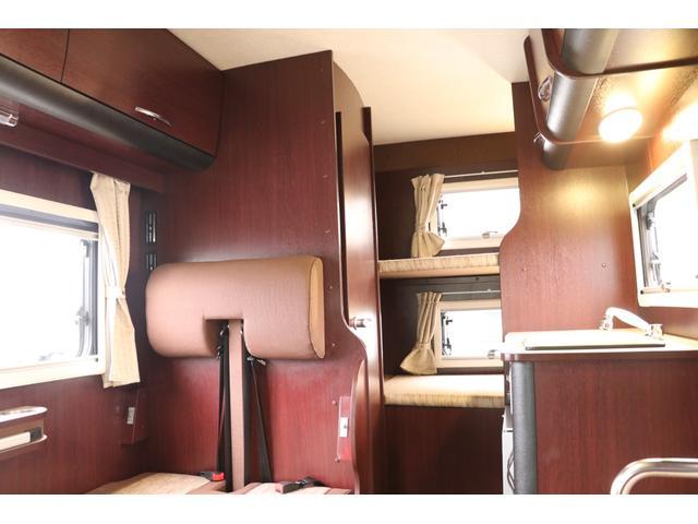 ナッツRV製 クレソンボヤージュW 1オーナー禁煙車 ナビTV ETC Bカメラ サブBT VOTRONIC 12V/100V 燃料式FFヒーター 走行時リアクーラー MAXFAN シンク 冷蔵庫 リアラダー カセットトイレ 外部充電 走行充電(65枚目)