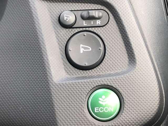 XL インターナビセレクト 純正HDDナビ ETC ワンオーナー車 キーレスエントリー 盗難防止システム HIDヘッドライト バックカメラ 横滑り防止装置 アルミホイール ワンセグ ミュージックサーバー DVD再生(15枚目)