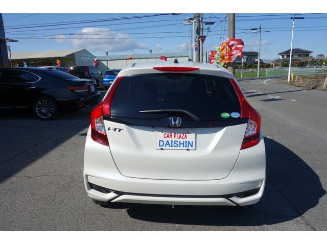 シートアレンジやお勧め機能、色んな角度からの車両の画像を、多数の画像で紹介してます。画面右の矢印をクリック!