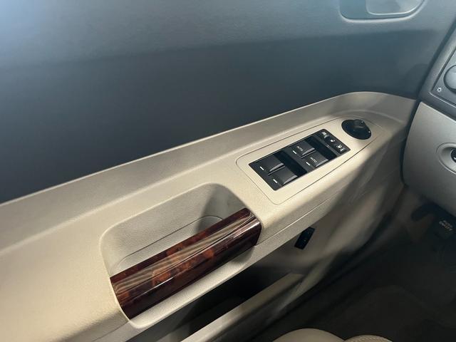 「クライスラー」「クライスラー300C」「セダン」「群馬県」の中古車40