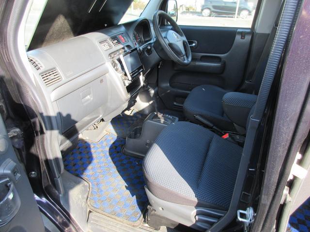 ターボ4WD4速オートマHDDナビ地デジETC(7枚目)