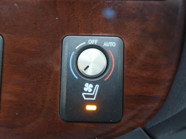 ●【シートヒーター&シートエアコン】装備!夏場は涼しく、冬場は暖かくシートを使用できます。レザー系のシートにはぜひ欲しい装備ですね☆