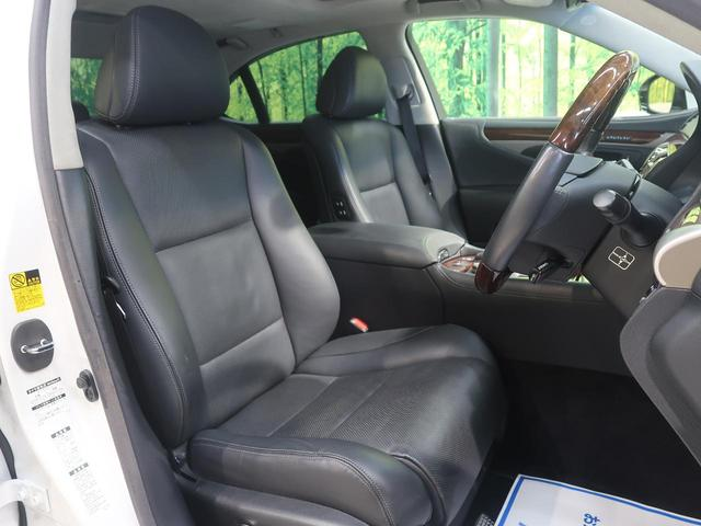 ●【黒革シート】装備!座り心地も良く、何より高級感が違いますね☆手触りも良く、汚れも目立ちません。快適なシートになっています☆
