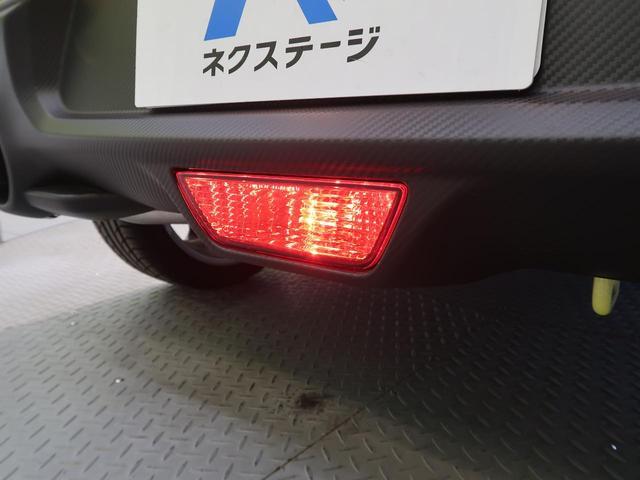 ベースグレード 禁煙車 6MT 純正17AW LEDヘッド バックフォグ ステアリングスイッチ カーボン調スポイラー レッドグラデーションセンターコンソール加飾(31枚目)