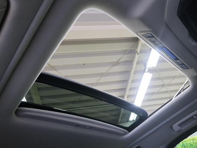 2.5S Cパッケージ 禁煙車 11型BIGX フリップダウンモニター 三眼ヘッドライト サンルーフ デジタルインナーミラー サイド・バックカメラ BSM トヨタセーフティセンス 両側パワスラ シーケンシャルターンランプ(5枚目)