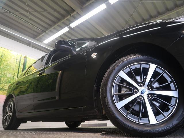 1.6i-Lアイサイト 禁煙車 4WD LEDヘッド リアフォグランプ スマートキー アイサイトVer.3 革巻きステアリング&シフト 純正16インチAW SDナビ バックカメラ ETC オートエアコン LEDフォグランプ(17枚目)
