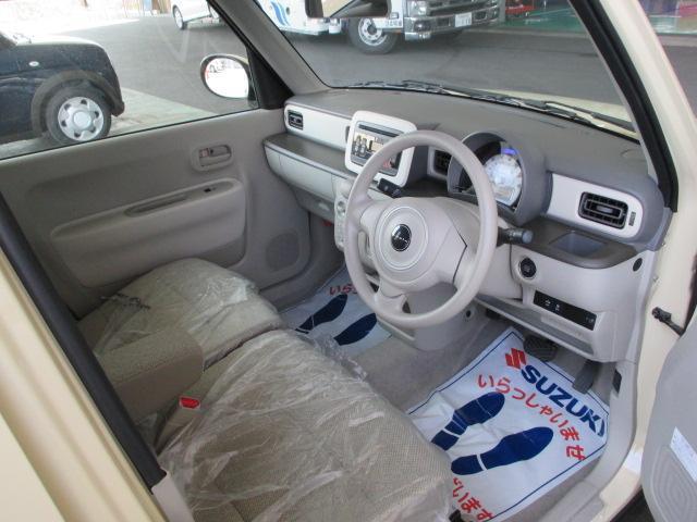運転席より室内☆無料保証付き販売車です!  ☆全国どこへでも陸送可能(有料)です!