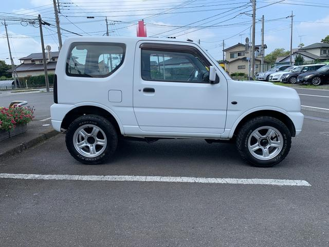XG MT5速 インタークーラーターボ 切り替え式4WD 16インチAW ABS Wエアバッグ キーレスエントリー AC PW PS CD(4枚目)