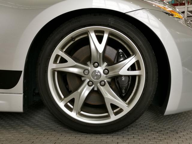 純正RAYS19AWホイール装備!社外大径アルミホイールや新品タイヤも格安で交換お受けいたします!