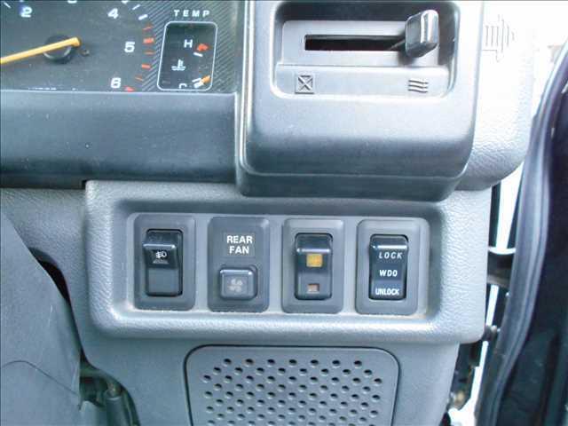 三菱 デリカスターワゴン ディーゼル GLX