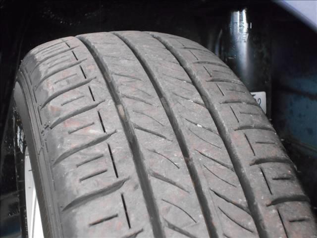 タイヤの溝もまだまだいけます。