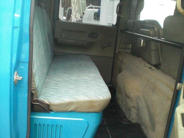 ダブルキャブ PG 4WD 積載1250kg NO・28(18枚目)