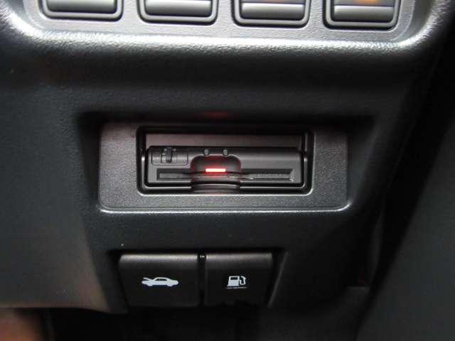 万が一の事故はもちろん、ドライブレコーダーは快適で安全なドライブの必需品!