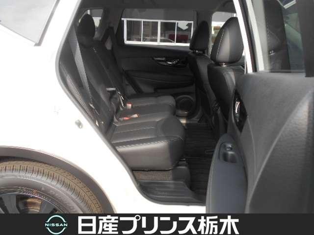20Xi レザーエディション Vセレクション 2列車 4WD 当社試乗車 メモリーナビ・アラウンドビューモニター・ドライブレコーダー前後・ETC2.0・スマートルームミラー・シートヒーター・アイドリングストップ・LEDライト・18インチアルミ(18枚目)