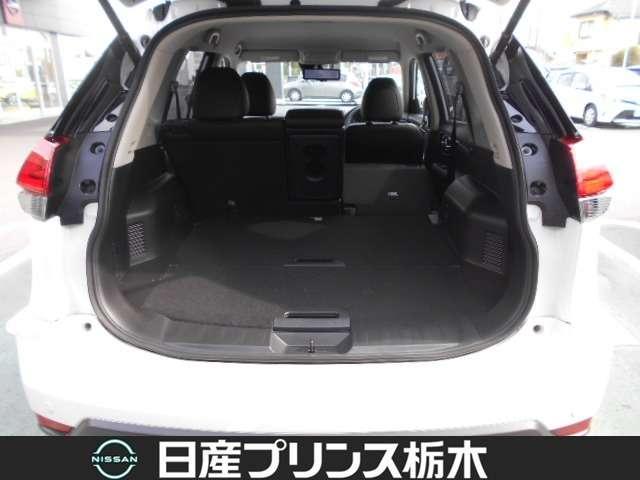 20Xi レザーエディション Vセレクション 2列車 4WD 当社試乗車 メモリーナビ・アラウンドビューモニター・ドライブレコーダー前後・ETC2.0・スマートルームミラー・シートヒーター・アイドリングストップ・LEDライト・18インチアルミ(19枚目)