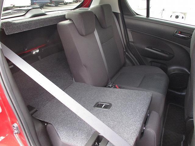 XG 5速マニュアル プッシュスタート ビルトインETC フルオートエアコン 盗難防止装置 横滑り防止装置 CDプレーヤー FM・AMラジオ レギュラーガソリン仕様車 純正15インチスチールホイール 後期(42枚目)