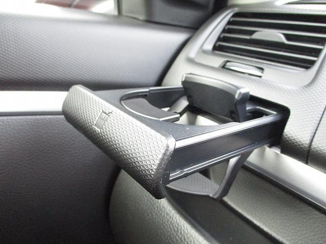 XG 5速マニュアル プッシュスタート ビルトインETC フルオートエアコン 盗難防止装置 横滑り防止装置 CDプレーヤー FM・AMラジオ レギュラーガソリン仕様車 純正15インチスチールホイール 後期(43枚目)
