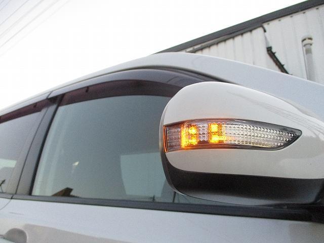 2.5i-Sアルカンターラセレクション 4WD プッシュスタート バックカメラ HDDナビ地デジ ビルトインETC ハーフレザーシート 両側電動シート パドルシフト 盗難防止装置 横滑り防止装置 HIDヘッドライト 純正17インチAW(45枚目)