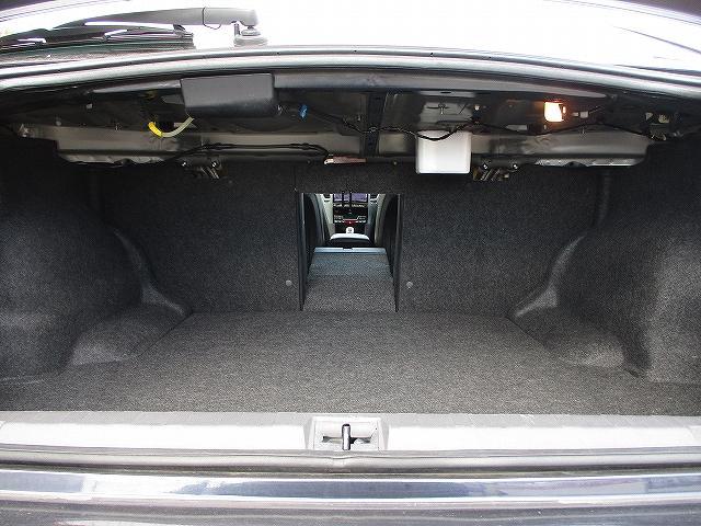 2.5i BスポーツアイサイトGパッケージ 4WD 8インチHDDナビ バックカメラ プッシュスタート ETC ハーフレザーシート ナノイー発生器 HIDヘッドライト オートライト デュアルエアコン 盗難防止装置 横滑り防止装置 後期(35枚目)