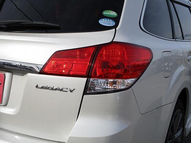 2.5i Bスポーツアイサイト Gパッケージ 4WD ワンオーナー 8インチモニターHDDナビ地デジ プッシュスタート ETC パドルシフト ハーフレザーシート 両側電動シート 盗難防止装置 横滑り防止装置 オートライト 純正17インチAW 後期(49枚目)