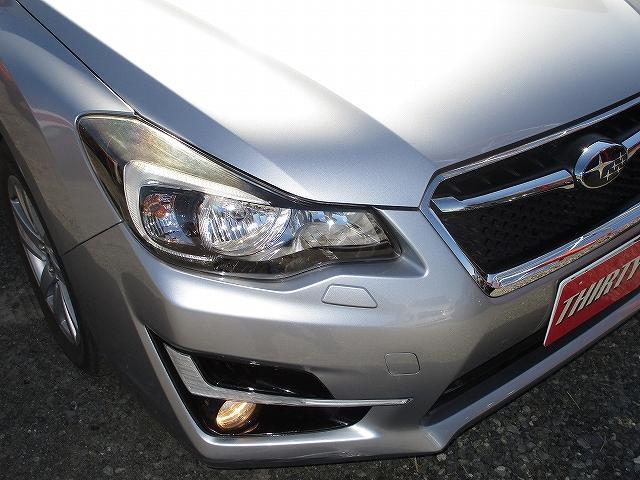2.0iアイサイト 4WD タイミングチェーン アイサイトVer3 プッシュスタート バックカメラ ETC SDナビ地デジ 盗難防止装置 サイド・カーテンエアバッグ パドルシフト オートライト HID 純正16AW 後期(51枚目)