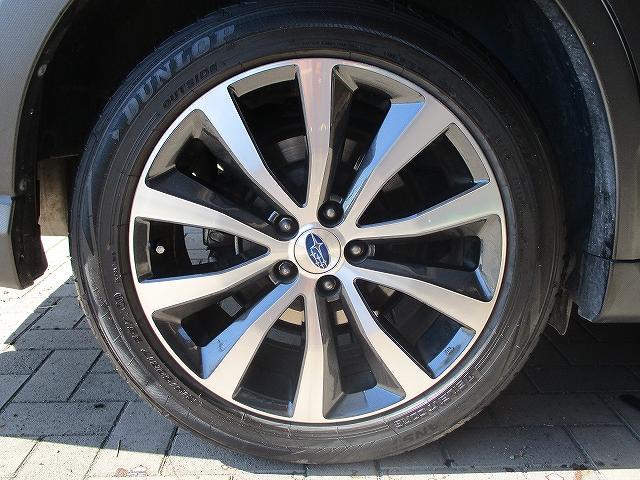 2.5iアイサイト 4WD タイミングチェーン フリップダウンモニター プッシュスタート バックカメラ SDナビ地デジ ETC シートヒーター 横滑り防止装置 サイド・カーテンエアバッグ オートライト 純正17インチAW(47枚目)