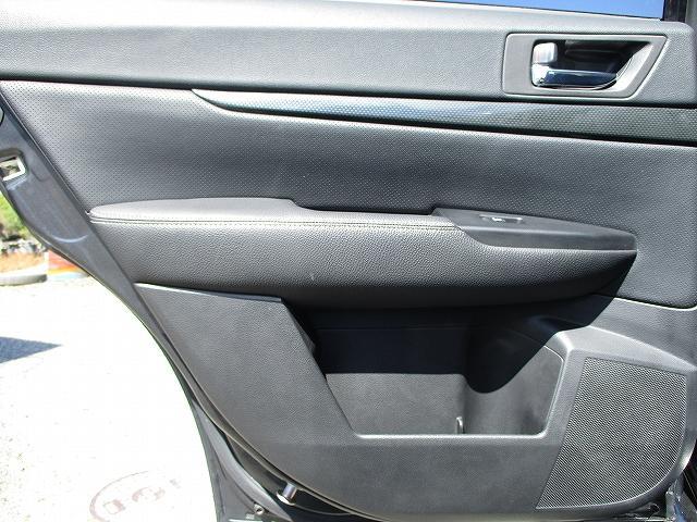 2.5iアイサイト Sパッケージ 4WD BIGX8インチモニターHDDナビ フルレザーシート プッシュスタート バックカメラ シートヒーター 両側電動シート 盗難防止装置 横滑り防止装置 追従機能付クルーズコントロール HID 後期(34枚目)