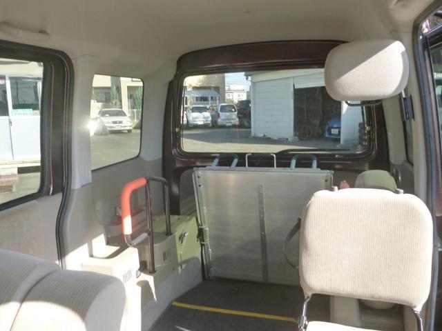 家で買えるスローパー4WDリア補助席付リモコン車椅子ウインチ(8枚目)