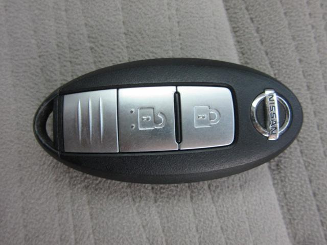 日産 キューブ 15X Vセレクション80thスペシャルカラーLTD