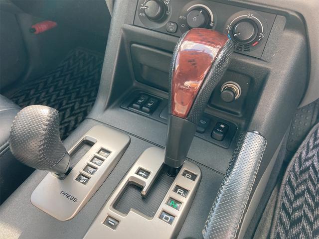 ロング エクシード 4WD ETC バックカメラ ナビ オートライト アルミホイール キーレスエントリー 電動格納ミラー AT シートヒーター 盗難防止システム 衝突安全ボディ フルフラット ABS エアコン(6枚目)