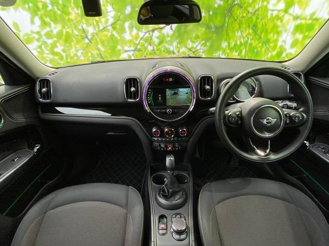 クーパーDクロスオーバーオール4 純正 HDDナビ/ヘッドランプ HID/ETC/EBD付ABS/横滑り防止装置/アイドリングストップ/ルーフレール/エアバッグ 運転席/エアバッグ 助手席/エアバッグ サイド/アルミホイール 4WD(4枚目)