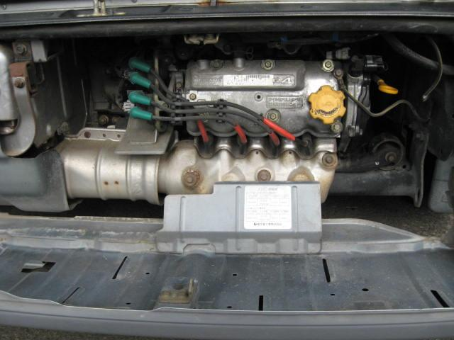 660CCエンジン。漏れやオイルにじみなし