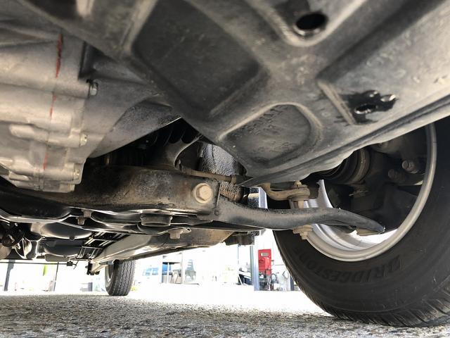UL Xパッケージ ワンオーナー 5速マニュアル 走行28100km台 全席パワーウインドウ 電動格納ミラー 純正キーレス 間欠調整ワイパー プライバシーガラス ヘッドライトレベライザー シートリフター センターテーブル(33枚目)