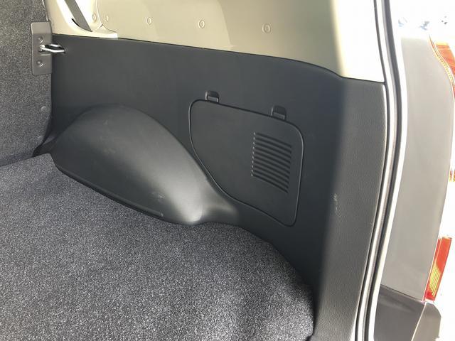 UL Xパッケージ ワンオーナー 5速マニュアル 走行28100km台 全席パワーウインドウ 電動格納ミラー 純正キーレス 間欠調整ワイパー プライバシーガラス ヘッドライトレベライザー シートリフター センターテーブル(72枚目)