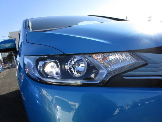 Lパッケージ 禁煙車 LEDヘッドライト オートライト バックカメラ Bluetoothオーディオ フルセグTV走行中視聴可能 クルーズコントロール USB HDMI ETC ハーフレザーシート(8枚目)