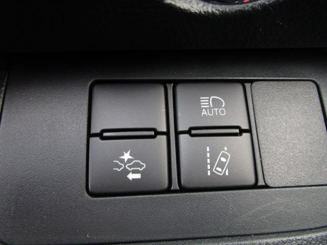 G クエロ 禁煙車 StradaSDナビ フルセグTV走行中視聴可 バックカメラ 衝突軽減ブレーキ LEDヘッドライト フォグランプ 両側電動スライドドア Bluetoothオーディオ ハーフレザーシート(5枚目)