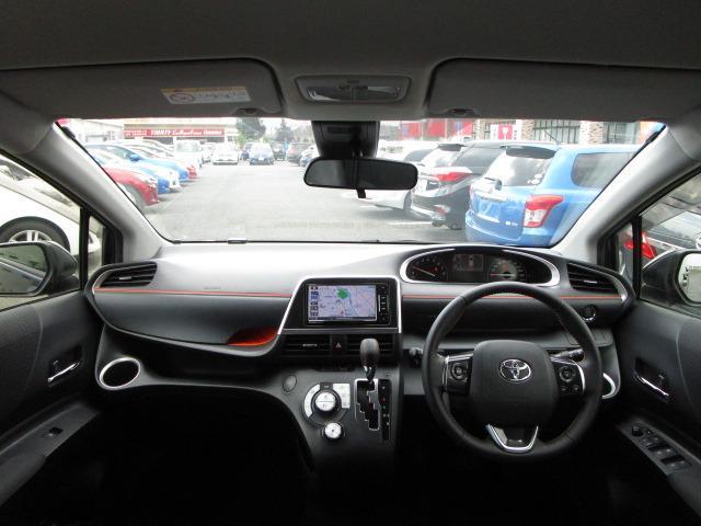 G クエロ 禁煙車 StradaSDナビ フルセグTV走行中視聴可 バックカメラ 衝突軽減ブレーキ LEDヘッドライト フォグランプ 両側電動スライドドア Bluetoothオーディオ ハーフレザーシート(9枚目)
