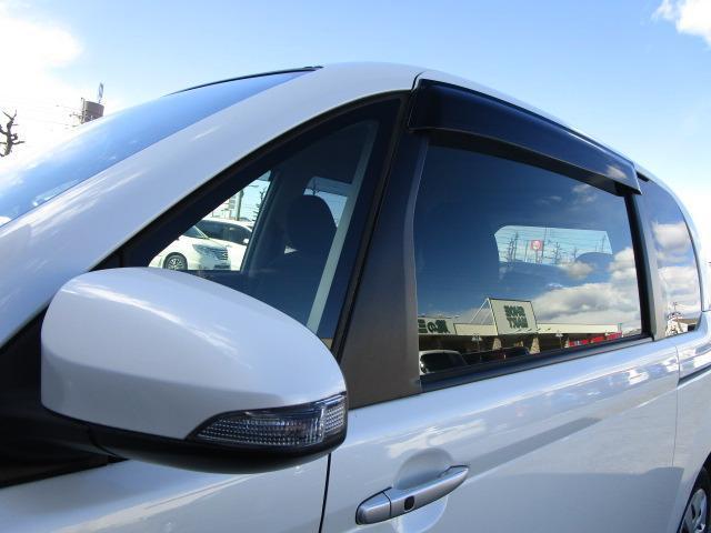 F 禁煙車 純正SDナビ バックカメラ フルセグTV走行中視聴可能 ETC 電動スライドドア HIDヘッドライト オートライト Bluetoothオーディオ DVD再生(38枚目)