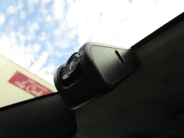 カスタムG S 禁煙車 純正大型9インチSDナビ 純正ドライブレコーダー 両側電動スライドドア 衝突軽減ブレーキ  LEDヘッドライト LEDフォグランプ ETC2.0 シートヒーター Bluetoothオーディオ(4枚目)