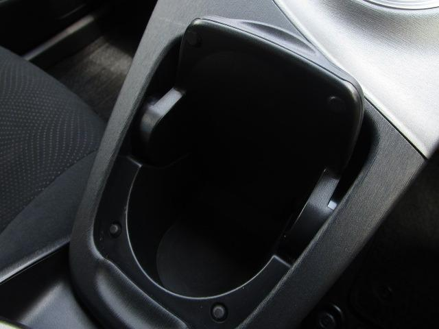 S 禁煙車 純正HDDナビ フルセグTV走行中視聴可 ETC バックカメラ Bluetoothオーディオ DVD再生 HIDヘッドライト(31枚目)
