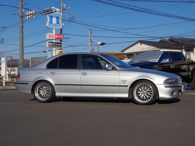 BMW BMW 530iMスポーツ18inchAW ETCパワーシート禁煙