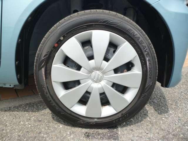 車もオシャレは、足元から!!車のデザインを損なわないホイールが装着されています!!