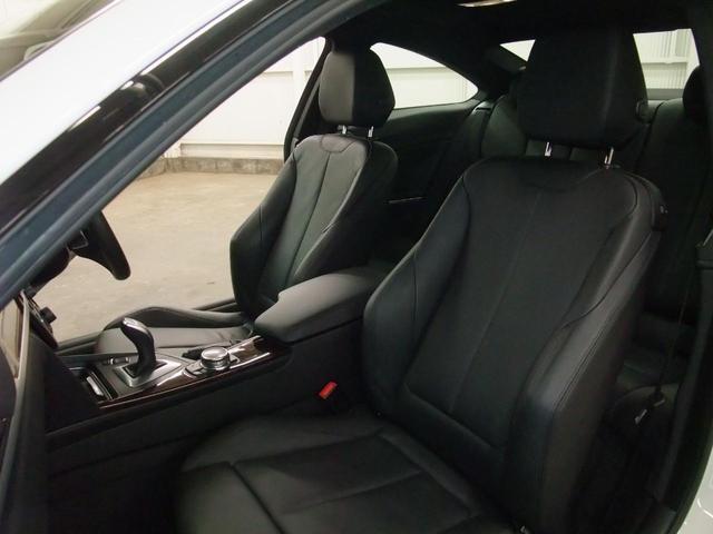 ドライビングアシストレーンディパーチャーウォーニング衝突軽減ブレーキSOSコールウッド調パネル2WAYメモリーブラックレザーパワーシートシートヒーターアイドリングストッププッシュスタート