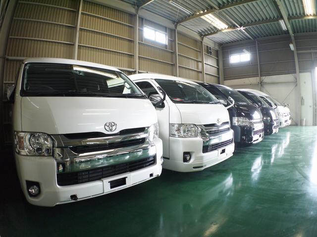 群馬県高崎地区最大級のハイエース専門店 お客様無料ダイヤル 0800-814-2407 4型新車コンプリート車〜ビンテージハイエースまで幅広く取扱しています。
