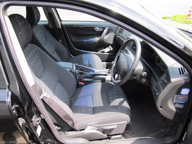 ボルボ ボルボ V70 ベースグレード HDDナビ CD キーレス シートヒーター