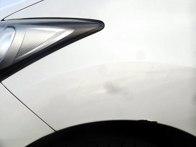 左前タイヤアーチ部分にサビ有り。