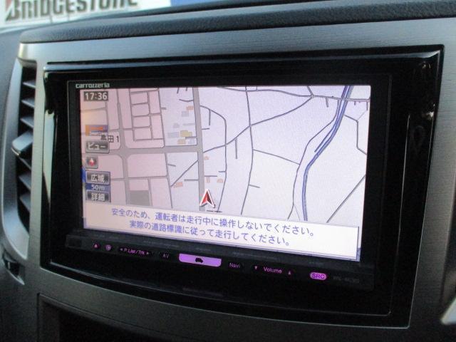 社外HDDナビが装備されております♪画面もクリアで見やすく運転中も確認しやすいです♪DVDの視聴もお楽しみ頂けます♪ミュージックサーバー機能も搭載されており、好みの音楽を録音してお楽しみ下さい♪