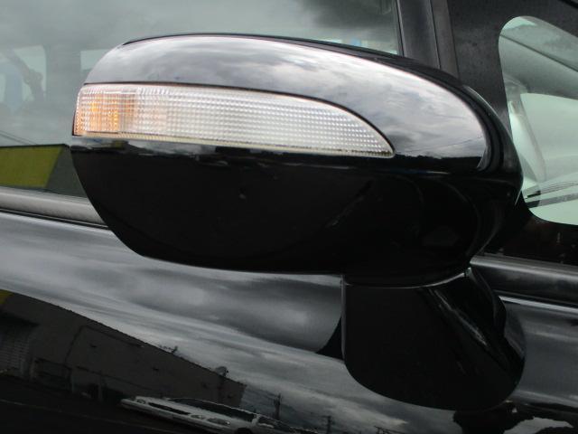 ウィンカーミラーも標準装備されております♪視認性も高く対向車との安全確認も良好です♪車をよりシャープに演出しています♪