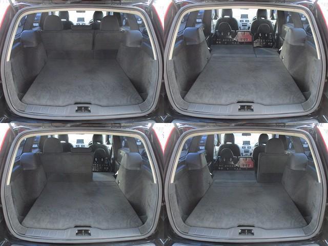 ラゲッジスペースは後部座席を倒すと更に広々とした収納スペースが確保出来ます♪床面もフラットになりますので荷物の出し入れもラクラクです♪
