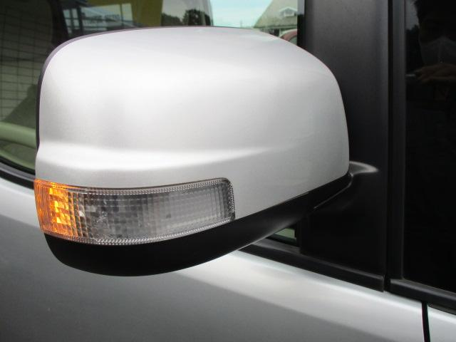 ウィンカーミラーが装備されております♪視認性も高く対向車との安全確認も良好です♪車をよりシャープに演出しています♪